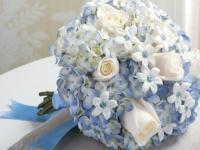 告别单一白色婚礼 用彩色宝石装点人生最美时刻