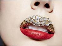 全球最贵嘴唇惊爆眼球:镶缀80颗钻石值千万