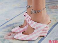搞定凉鞋度假照 脚链才是夏季首饰大赢家