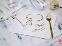 请把配饰跟珠宝区别开来,毕竟他们是不同的!
