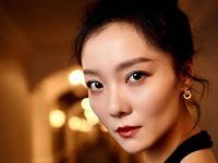 气质女星齐溪携手伯爵珠宝现身第12届亚洲电影大奖