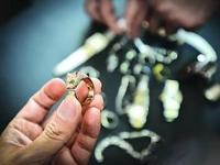 一男子被盗价值2万元珠宝首饰 报案后仅4个小时小偷落网