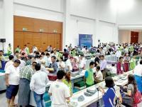 首届曼德勒玉石珠宝展交易额达160亿缅元 共有2926件宝贝参展