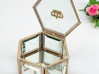 一个好的珠宝首饰盒可以确保您的珠宝永久安全