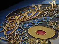 花丝镶嵌、珐琅这些传统珠宝工艺运用到现代珠宝的设计中 同样让人感到侧目