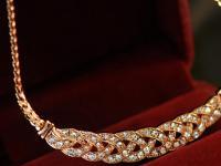 母亲节期间线上百货的黄金珠宝首饰同比增长121%
