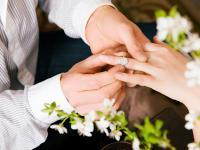 国际大牌1万元、国内品牌5千元 求婚钻戒应该怎么买?