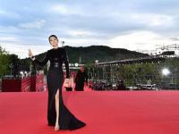 北京国际电影节近日结束 巩俐佩戴百万珠宝经典造型登场